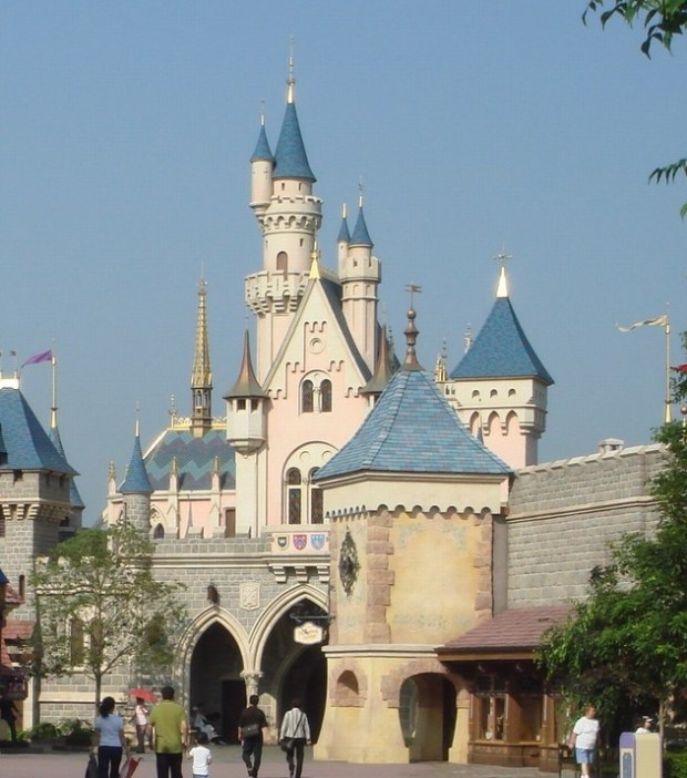 A trip to hongkong isn't complete without a visit to Disneyland