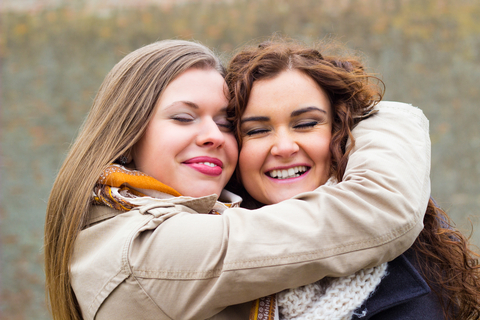 Love of friends gives us unity, from the teachings of Rabbi Ashlag