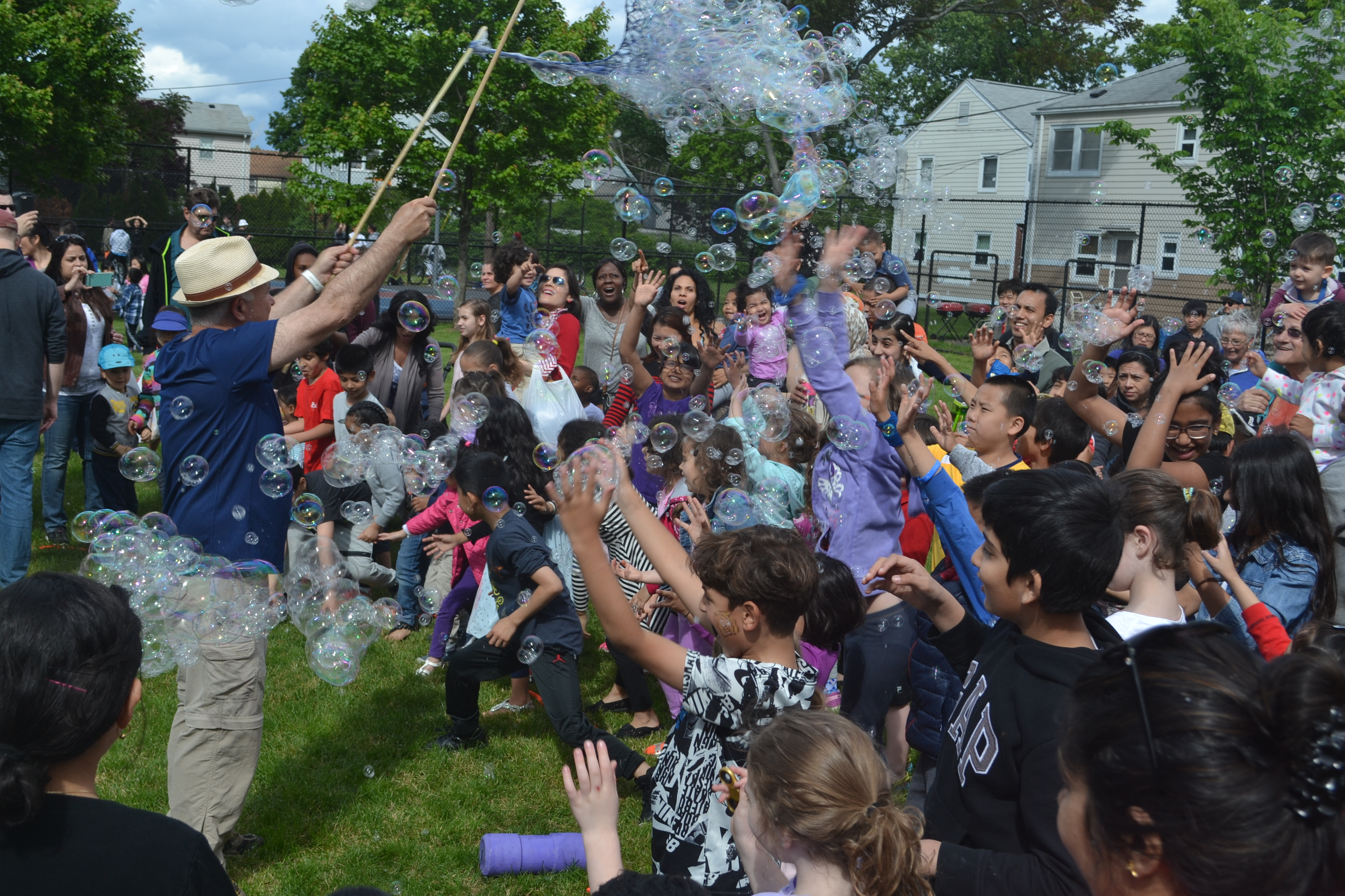 Bubbles and Books brings fun to Miller Park