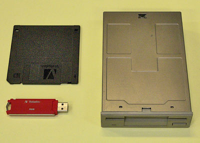 Floppy disk and USB flash drive