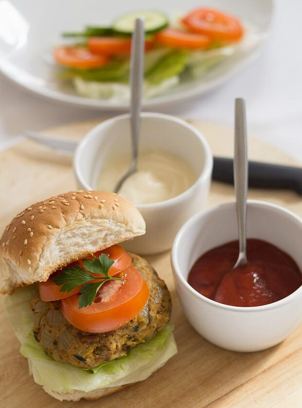 These chickpea burgers are extremely easy to make, filling, high in fibre and low in fat! Everybody loves burgers, and these vegetarian burgers can be just as tasty as meat ones!