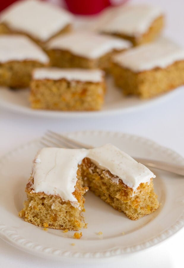 A healthier bake for your morning or afternoon cuppa! This low fat orange and apricot tray bake, will satisfy your craving at only 246 calories per slice without adding to your waistline.