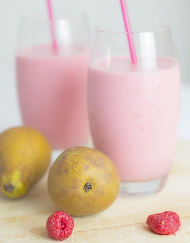 This raspberry and pear smoothie is packed full of protein, calcium and potassium and it's really low in calories too. It's just a perfectly healthy start to your day!