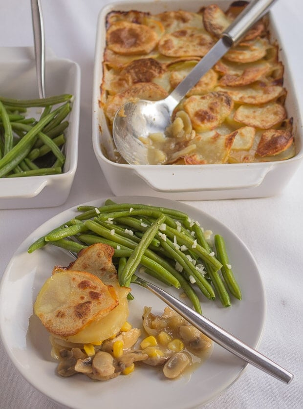 This chicken sweetcorn and mushroom bake is a delicious, nice and easy family bake. The recipe also includes my French style green beans making this a great weekday meal.