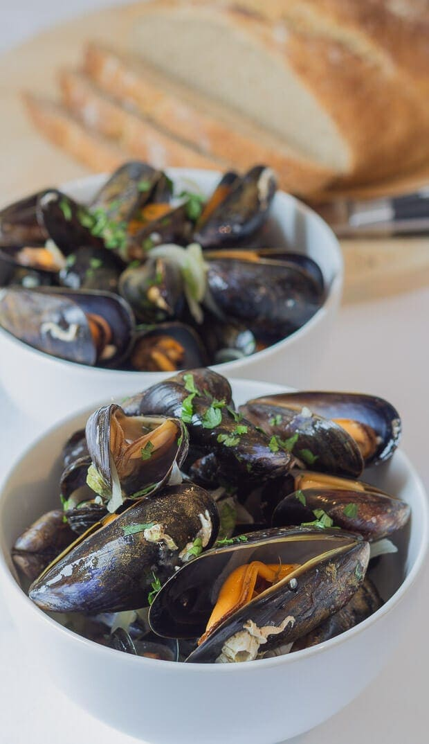 Healthy moules marinieres mussels. Easy to prepare, low cost and made with no cream! If you're a lover of fresh mussels but not the original recipe with cream then you'll love this dish. And so will your waistline!