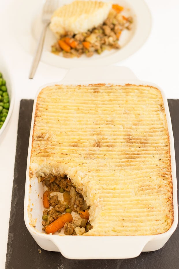 This healthy vegetarian Quorn cottage pie recipe is full of veggie goodness and flavour. It's low in calories and an excellent source of protein. If you're watching your weight or just looking for a delicious meat free alternative meal, you've come to the right place!