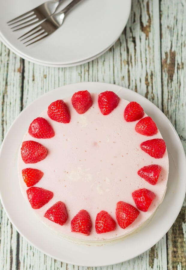 No Bake Strawberry Mousse Cheesecake