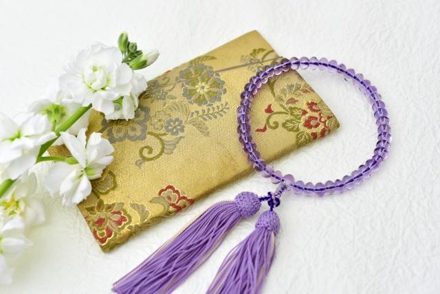 新盆初盆に香典でお金を包む意味と金額の相場親族の場合と表書きの書き方