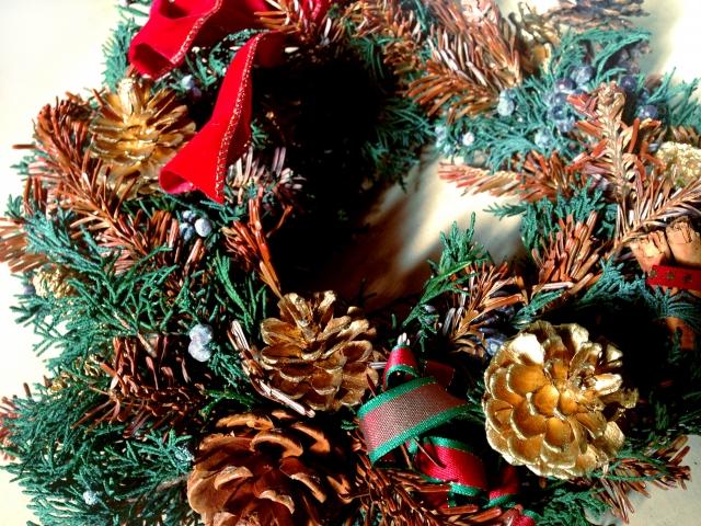 クリスマスリースを玄関に飾るのはいつからいつまで海外との違いは?