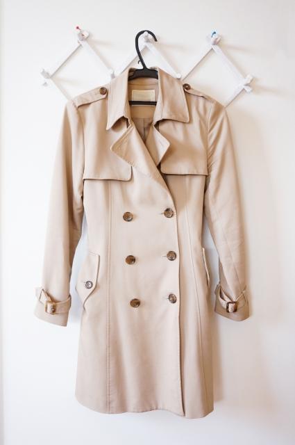 秋のトレンチコートはいつから着るのがベスト?時期や気温の目安は?