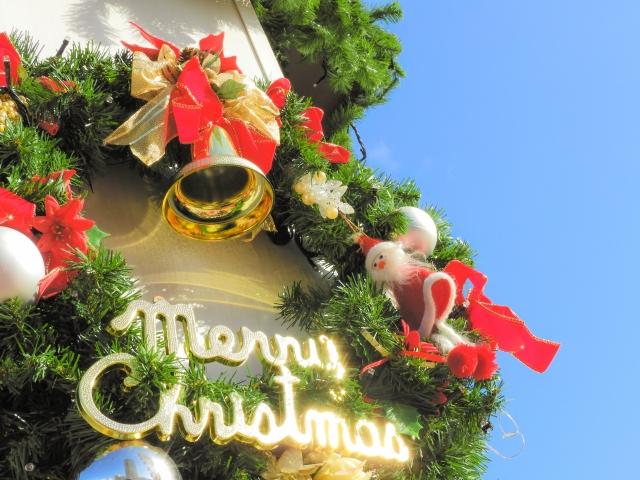 クリスマスリースの意味を簡単に教えて!材料と色にこめる願いとは?