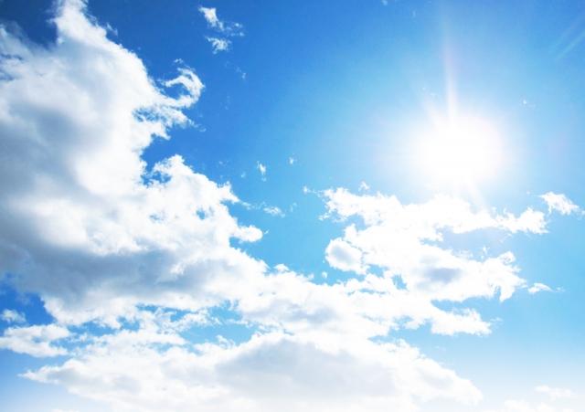 うだるような暑さとはどんな意味?うだるとゆだるの違いは?使い方と文例