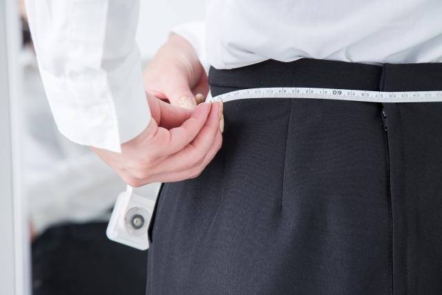スカートのウエストが大きい!サイズ調整の応急処置と対処法18選!