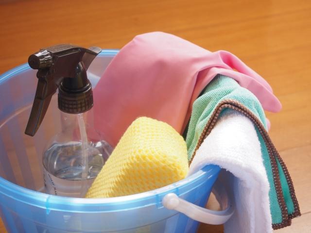 キッチンの床のベタつきが気になる!原因と効率的な掃除方法をご紹介