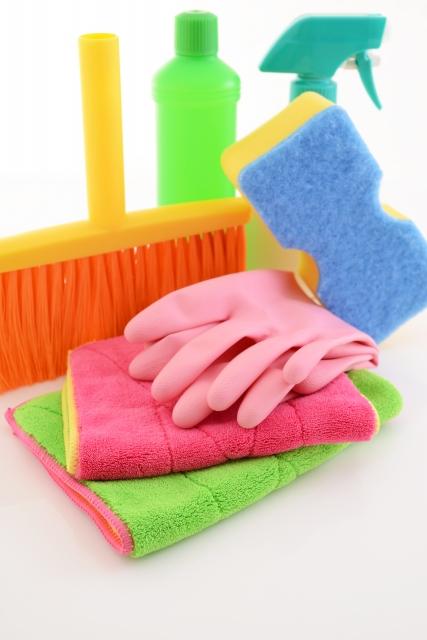 ビニール床の汚れの落とし方!黒ずみ掃除の洗剤やクリーナーはコレ!