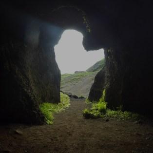 Hljóðaklettar - her var ulike huler rundtom