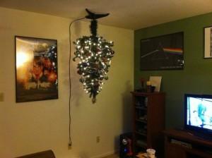 121210tree03 300x224 - クリスマスツリーにおける、猫対策ソリューション