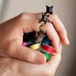 猫好きであると、それとなくアピールできる指環