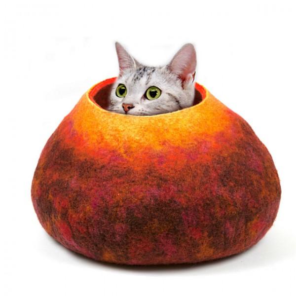 130521cathouse 600x600 - 鉢にも、壺にもなる、ウール製の猫ハウス