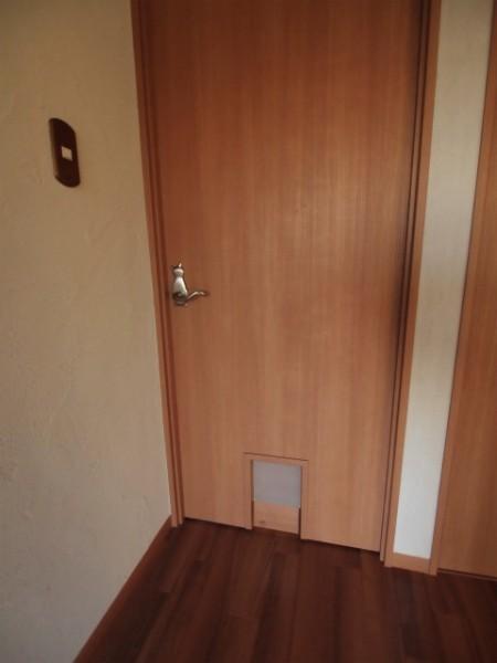 141205 fujigaokacathouse image5 450x600 - 猫用カスタマイズ賃貸物件、内覧会を12月7日まで開催@藤が丘