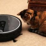 猫の爪とぎは、衝突回避センサー付きロボット掃除機のウォールとして使える
