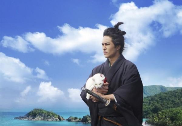150607nekozamurai02 03 600x416 - 映画版『猫侍』の続編は、南の島へ。さりげなく黒猫も登場