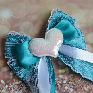 Big bow with heart