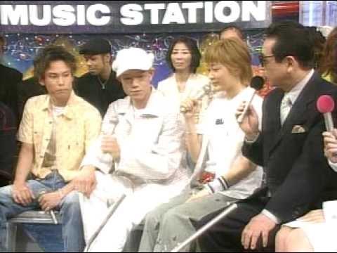 ミュージックステーションに出演時の市井紗耶香。元旦那は左端