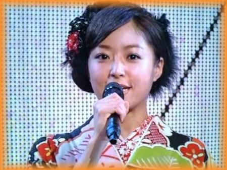 紅白の司会をする井上真央(画像引用:http://livedoor.blogimg.jp/ksisite009/imgs/2/b/2b14a7a5.jpg)
