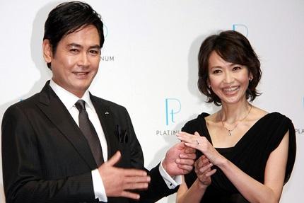 結婚生活18年で二人は離婚(画像引用:http://www.officiallyjd.com/wp-content/uploads/2013/04/20130426_washioisako_13.jpg)