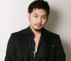 18歳の柳楽優弥(画像引用:http://articleimage.nicoblomaga.jp/image/153/2014/e/b/eb882be14c99623bade1865bb30087851256ef1f1393384731.jpg)