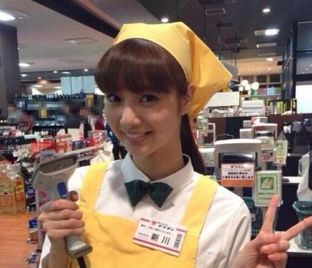 タウンワークのCMで話題となった新川優愛(画像引用:http://www.maniado.jp/usrimg/4_5a8fe613dda06d1da349ba3429dd47ae)