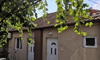 Prodajem kucu u Momisicima-Podgorica