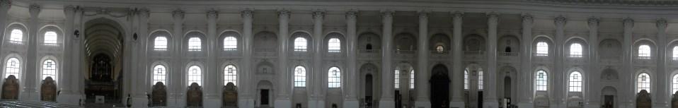 Im Inneren des Domes