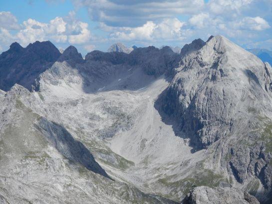 Auf die Große Steinscharte und das Hohe Licht (rechts), links hinter dem Grad: Das Rappenseehochttal
