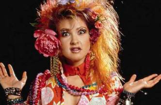 Cyndi Lauper - J'ai fait un rêve d'été - Aujourd'hui je relève le défi proposé par le blog Escarpins et Marmelade, et je vous livre mon rêve d'été ! Ici, ma coiffure fétiche de l'été ...