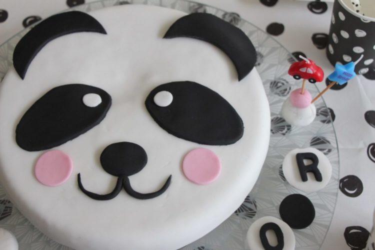 Gateau Panda D Anniversaire En Pate A Sucre Blog Ne Le Dites A Personne
