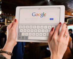Google et dis Siri pour se faire un avis - Generation fin du monde - Blog Humeurs Ne le dites a Personne #générationY #générationfindumonde #findumonde #année2019 #bonneannée #bloghumeurs #bilan2018 #retrospective2018 #neleditesapersonne