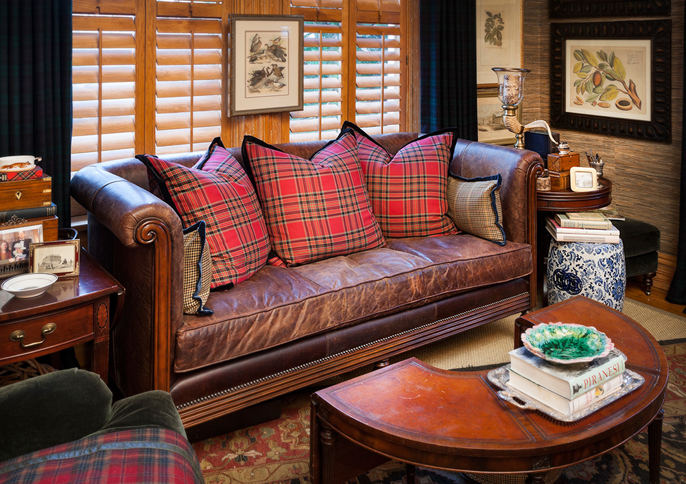 Decorating With Leather Furniture 3 Tips You Ve Gotta Know Nell Hills