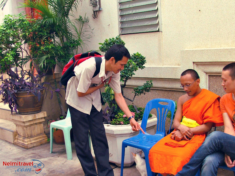 Monks in Thailand,Buddhism,Buddhist Monks,Colour of Monk Robe
