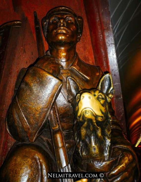 Nelmitravel.com;Moscow Metro,Ploshchad Revolutsii station,Lucky dog in Moscow Metro,Good luck believes,Bronze Sculpture,Dog Sculptures