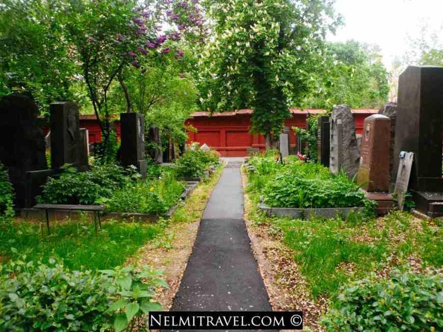 Novodevichy Cemetery, Новоде́вичье кла́дбище, Novodevichye kladbishche, Moscow Cemeteries; Nelmitravel