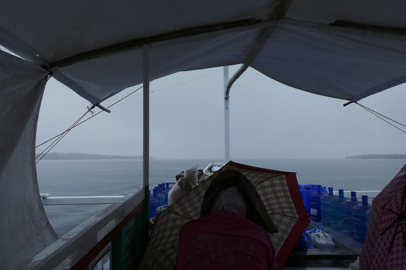 Boat ride to Maniwaya Island