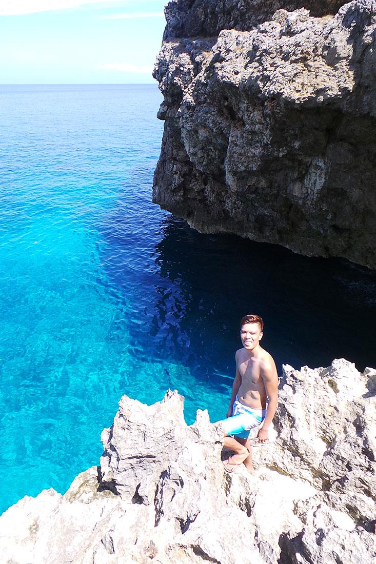 Cliff jumping spot