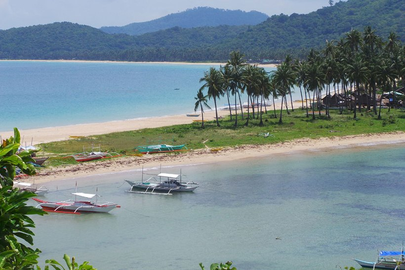 The twin beaches: Nacpan Beach and Calitang Beach