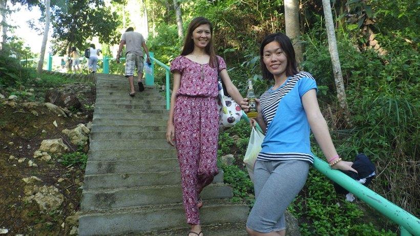 Pathway to Bao-Bao Falls
