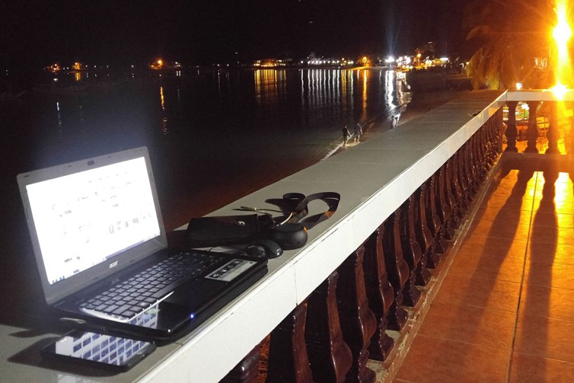 Night life in El Nido