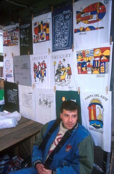 Uruguay, Montevideo, plaza Libertad, veta de recuerdos, retrato