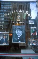 Uruguay, Montevideo, AV 18 d3 Julio, Pizzería, Carlos Gardel