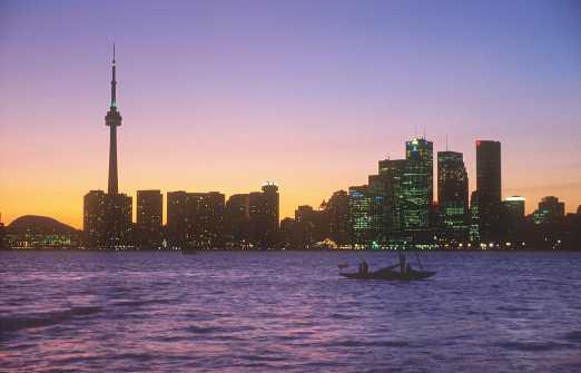 Canadá, Ontario, Toronto, Lago Ontario, nocturno
